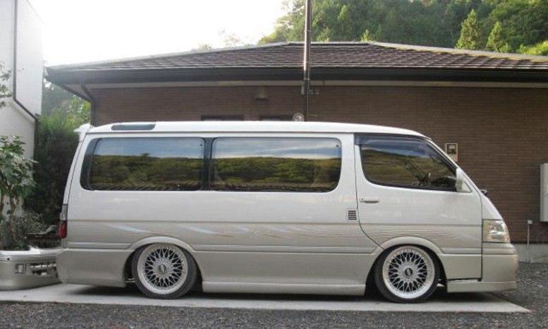JDM_Van_Toyota_HiAce_BBS_Super_RS_02