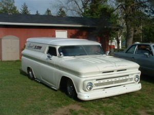 white chevy van at Dorr best