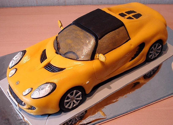 birthday cakes shaped like cars