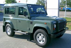 Land_Rover_Defender_front_20070518